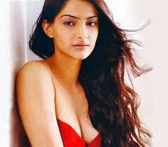 Sonam Kapoor Height, Weight and Age