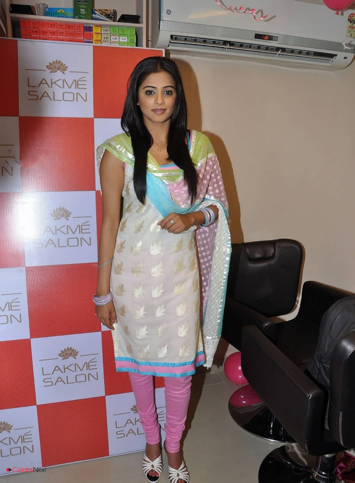 Priyamani Pictures in Salwar Kameez at Lakme Salon Launch at Secundrabad ~ Celebs Next