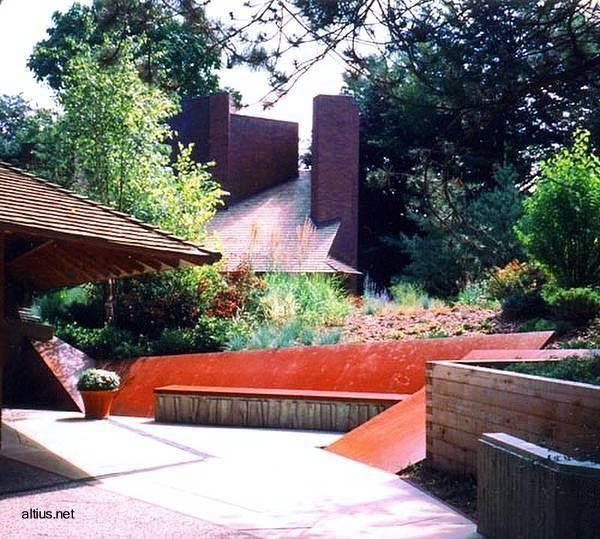 Arquitectura de casas casa y jard n integrados en una for Arquitectura de jardines