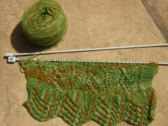 Willow Leaf Knitting Pattern : Kismets Companion: FO Friday 43: Willow Leaf Scarf