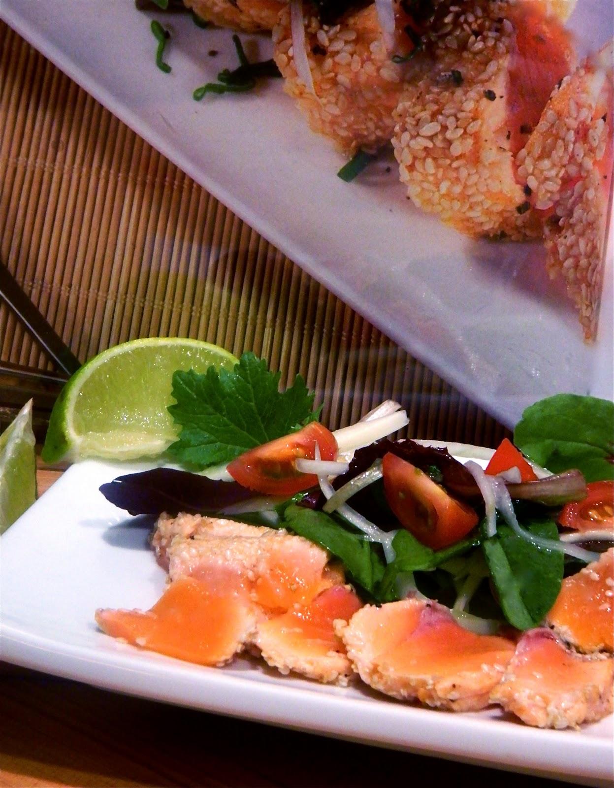 madame anne aux fourneaux tataki de saumon et salade de fenouil. Black Bedroom Furniture Sets. Home Design Ideas
