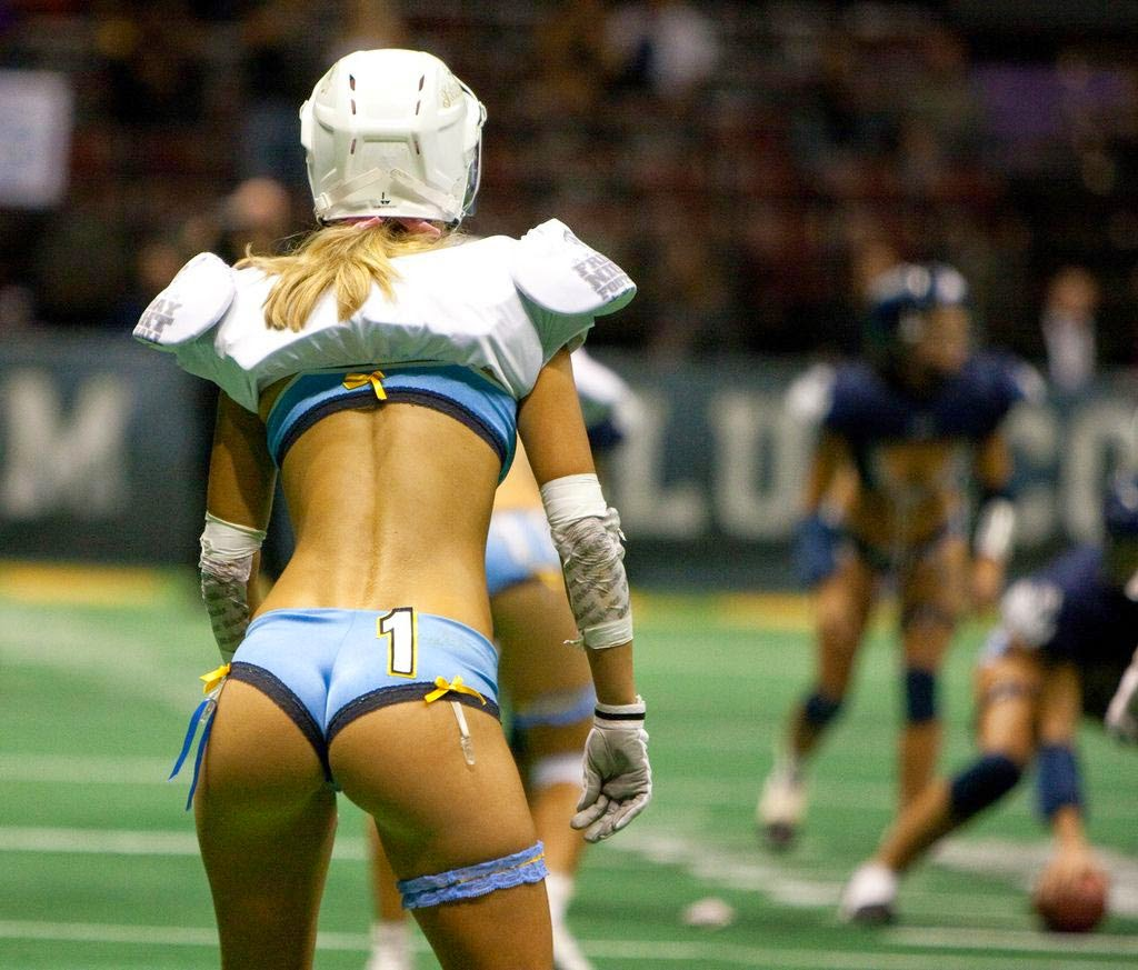 8 Hot Lingerie Football Photos