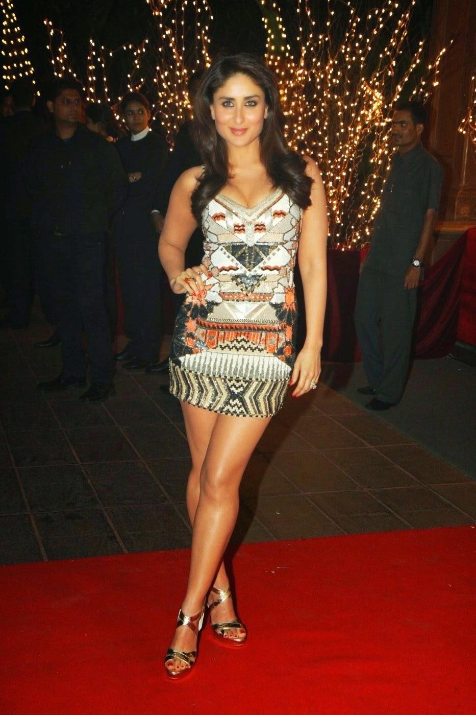 kareena kapoor high heels lonbig thunder tall legs hot exposing legs thunder thighs through her transparent mini skirt