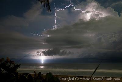 Fantastisches Zeitraffer-Video Gewitter vor Jupiter Beach, Florida 10. Oktober 2011 von Stormchaser Jeff Gammons, Storm Chaser, Florida, Video, Fotos Fotogalerie, Oktober, 2011,