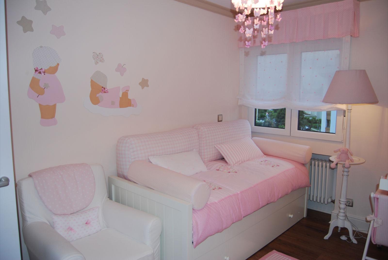 Ayuda decorar habitacion del bebe con gotele decorar - Estores infantiles leroy merlin ...