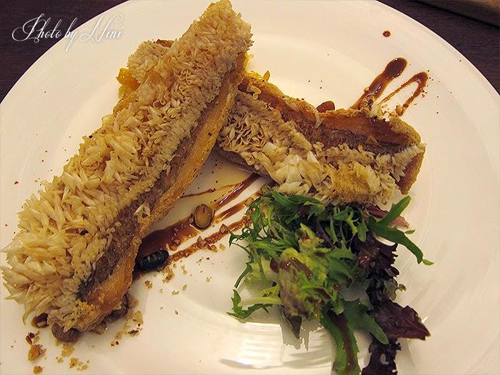 【台北東區新餐廳】 A COMMUNITY Restaurant & Bar。炸一匹馬頭魚
