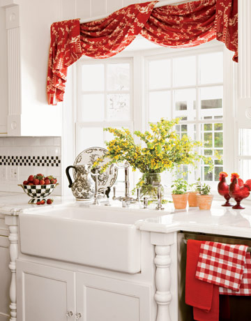 The Jewel Box® Home: Decorating with Red and Pink
