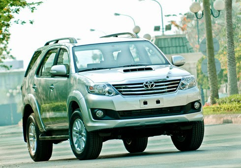 thue xe toyota fortuner gia re