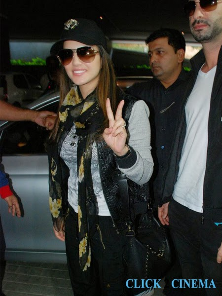 Sunny Leone Rare Photos in Hyderabad for New Year Bash