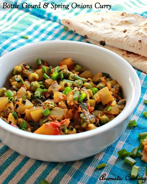 bottle gourd and spring onions curry, sorakkai vengaya thaal curry
