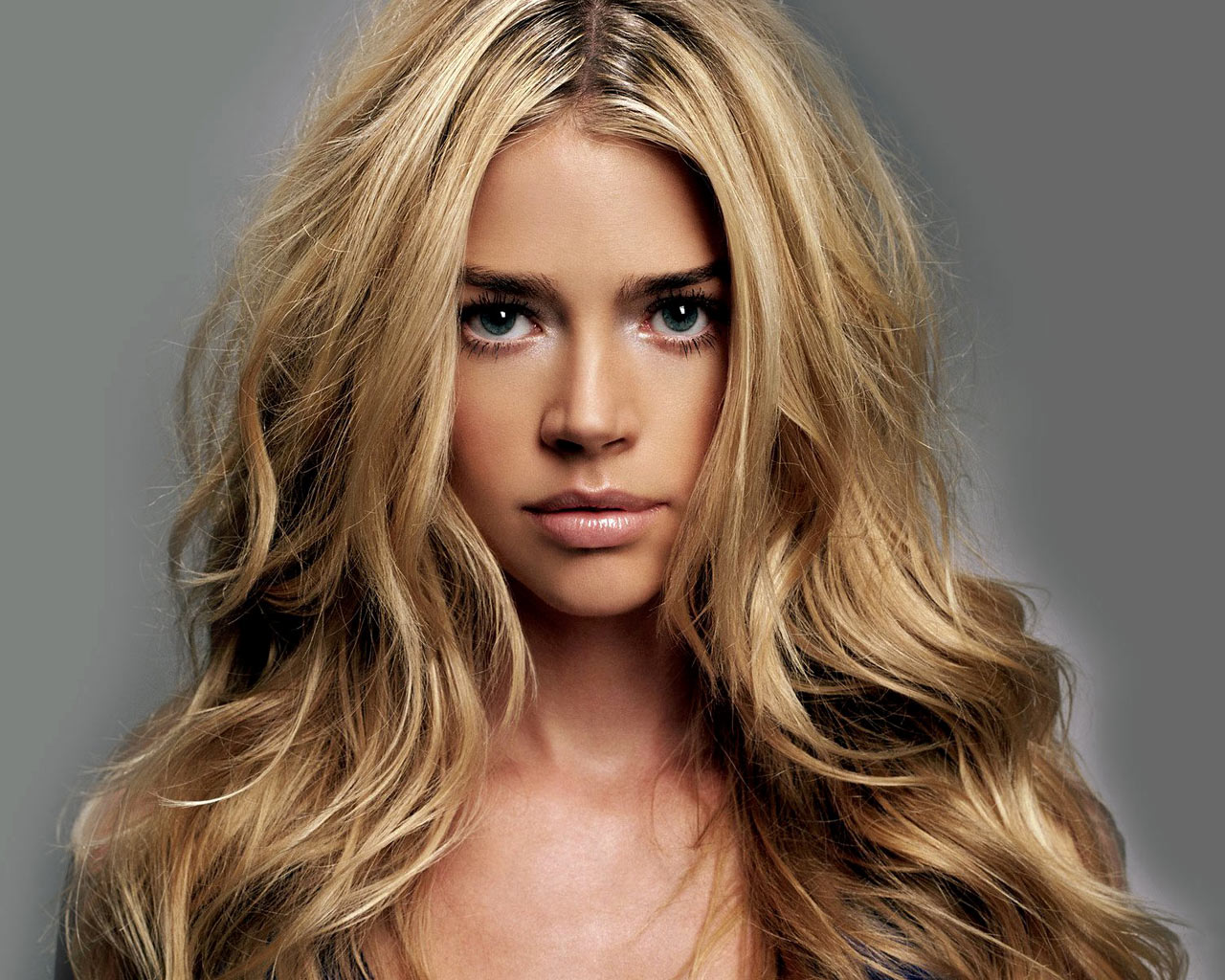 Denise Richards Making Love With Women Artist