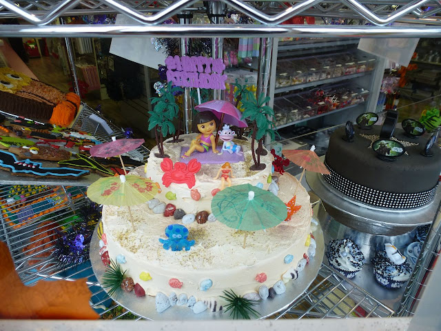 Scoop-N-Save novelty cakes