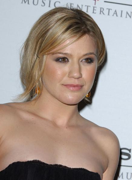 Kelly Clarkson Hair Dos Styles