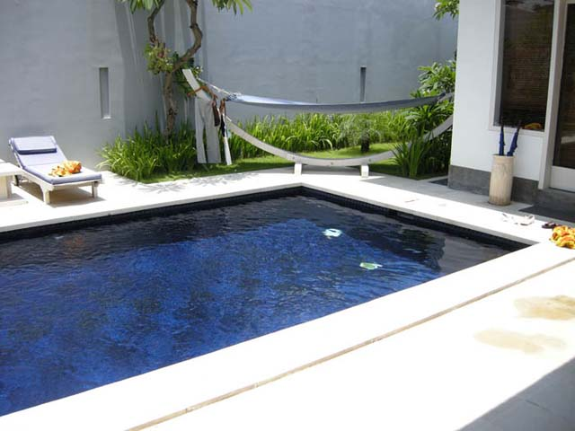 Ambiance piscine pompe de piscine en panne for Ambiance piscine