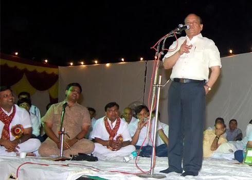 Saurabh Suman (Sanchalan) Surendra Sharma Kavya Paath