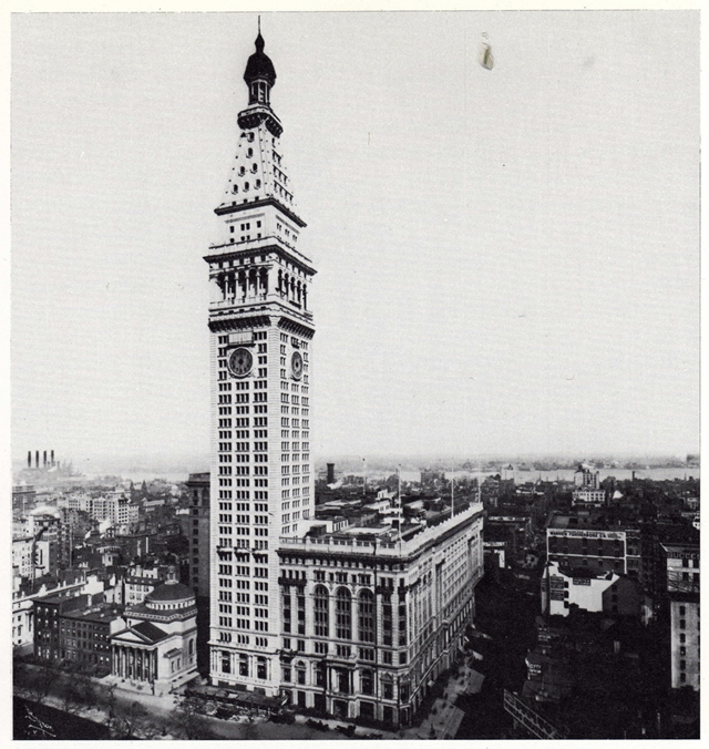 Old picture of the Metropolitan Life Tower, New York City