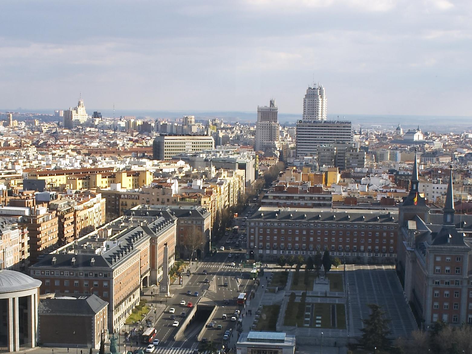 reserva en el hotel catalonia goya en el barrio salamanca de madrid