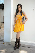 actress pragathi hot photos in yellow-thumbnail-2