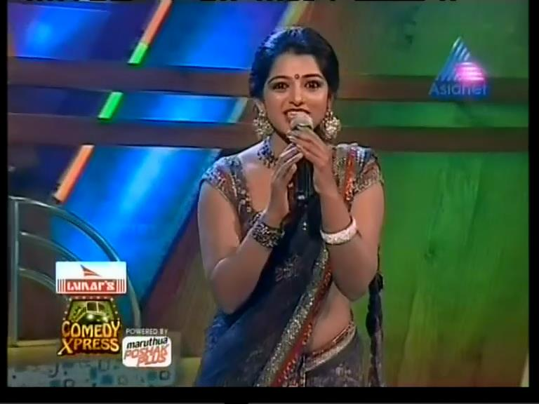 Related to Abhirami Suresh latest hot navel show photos in saree |Hot