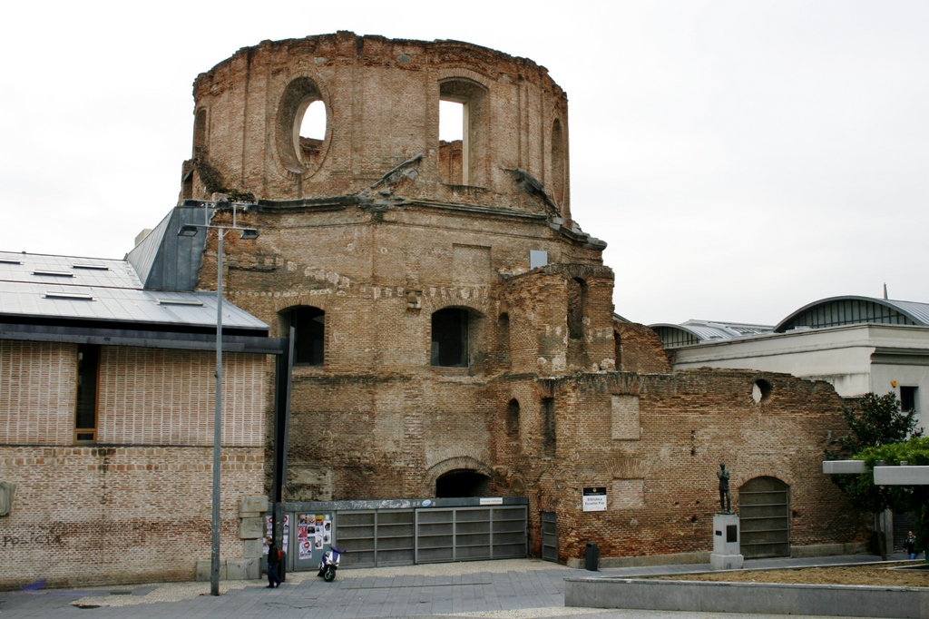 Monumentos que pudieron haber sido pero no fueron o for Uned madrid escuelas pias