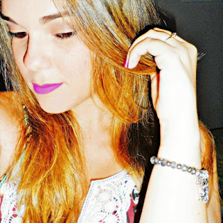 A blogueira Janaynna Cabral