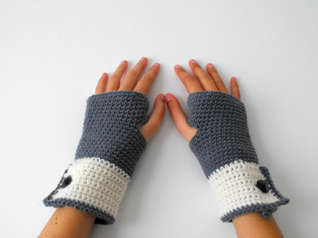 grey fingerless mittens - anahon