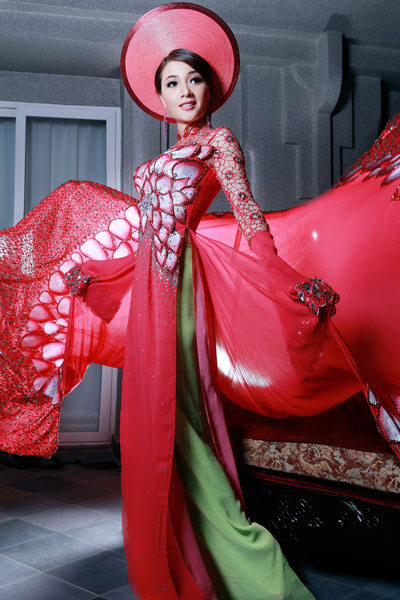 Áo dài, Beautiful Vietnamese Traditional Wedding Dress | Traditional ...