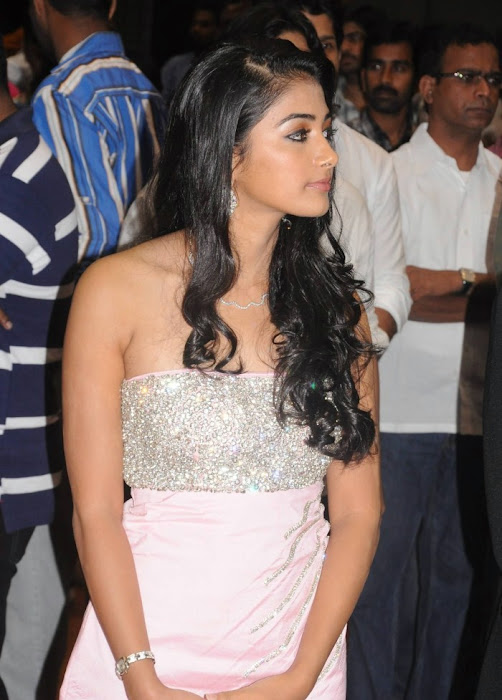 mugamoodi pooja hegde at movie launch hot photoshoot
