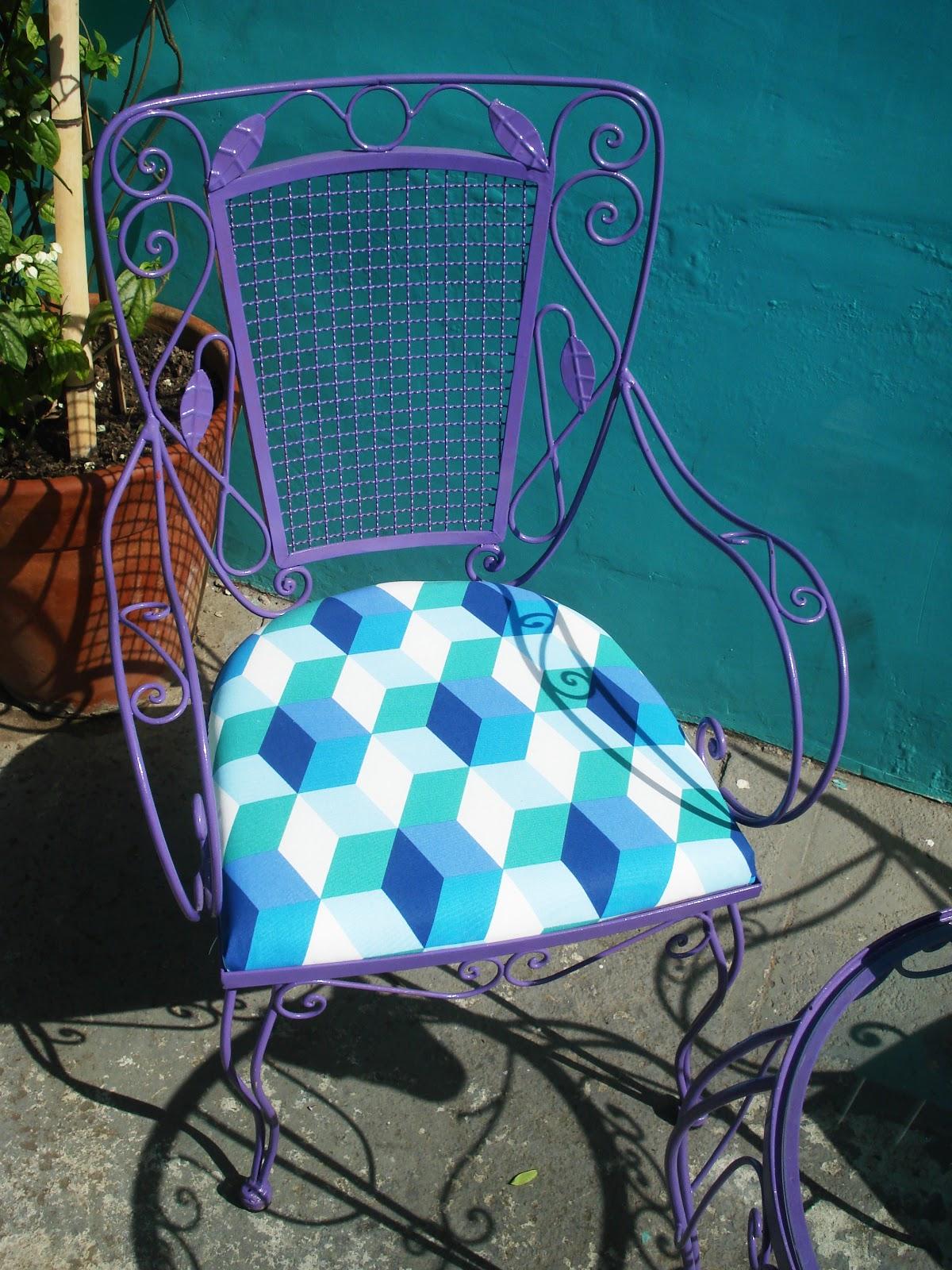 Minha mãe viu as cadeiras prontas e ficou emocionada mas por outro  #1F9EAC 1200x1600
