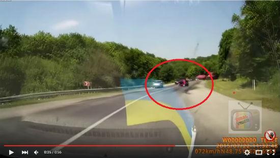 Pemandu Wanita Smart Car Melambung Keluar Setelah Alami Kemalangan Pada Kelajuan 74kmh