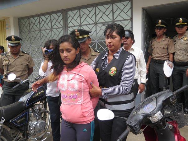 Estudiante que agredió a policias es sentenciada a siete años de cárcel Melina Capcha fue condenada