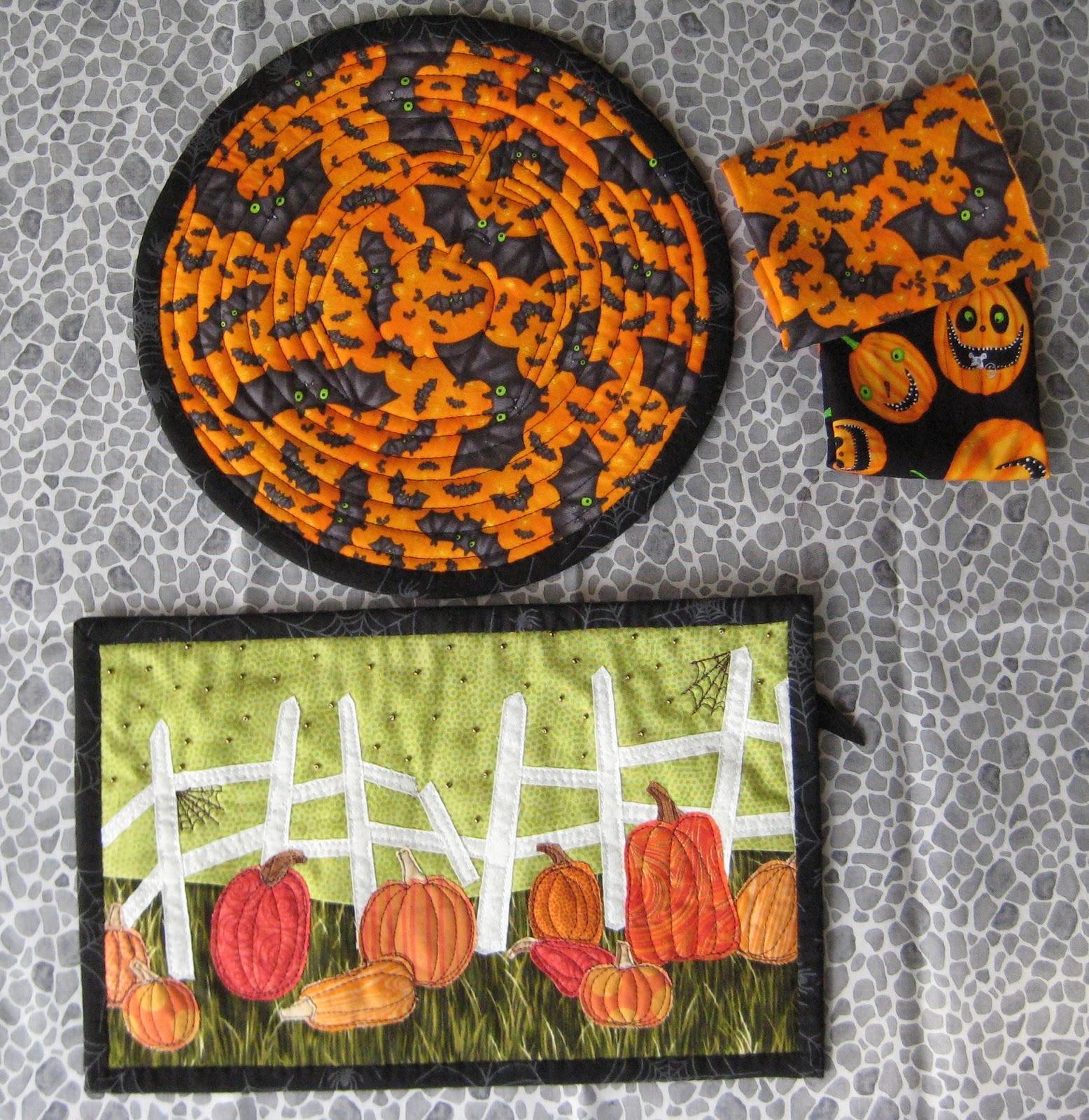 FlossieBlossoms: Bitties, Mug Rugs, Halloween And A Rabbit