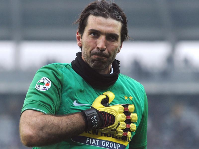 Buffon protagonista di Milan Juve