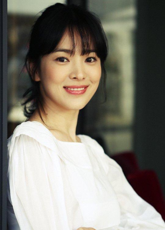Profil dan Biografi Song Hye-kyo - Artis Cantik Korea
