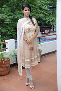 Sharmila Mandre pos at Kevvu keka SM 001.jpg