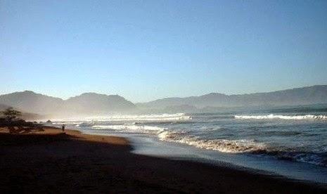 Gambar Pantai Pelabuhan Ratu Jawa Barat