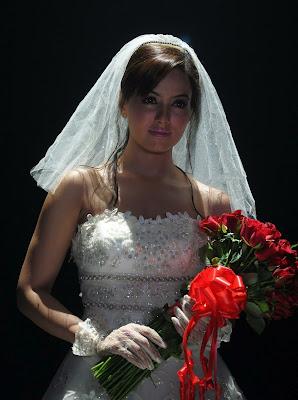 sana khan in wedding dress actress pics
