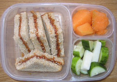 healthy school lunch, peanut butter sandwich, easylunchboxes