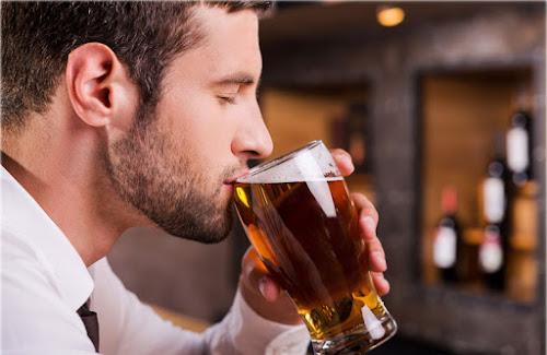 Cervejaria procura provador de cerveja: trabalhar 1 dia por mês