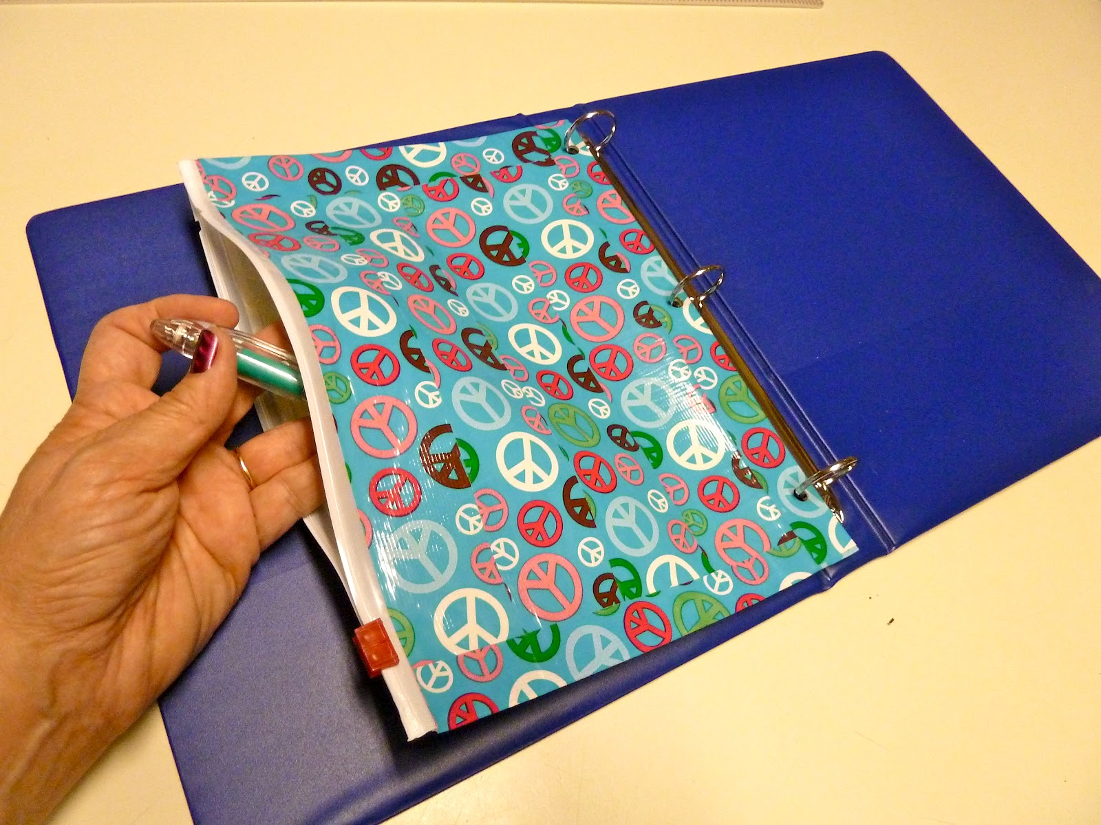 Make It Easy Crafts Binder Pencil Pouch From Duct Tape