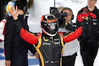 Kimi wins the first race of the F1 2013 season in Melbourne, Australia.