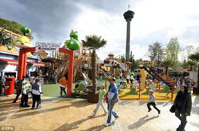 Pembinaan Taman Tema Angry Bird di Finland, meluaskan lagi empayar jenama permainan komputer itu dan ia turut akan dibuka di United Kingdom.