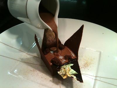 Laurent Jeannin à l'Hôtel Bristol. Chocolat Manjari en Origami