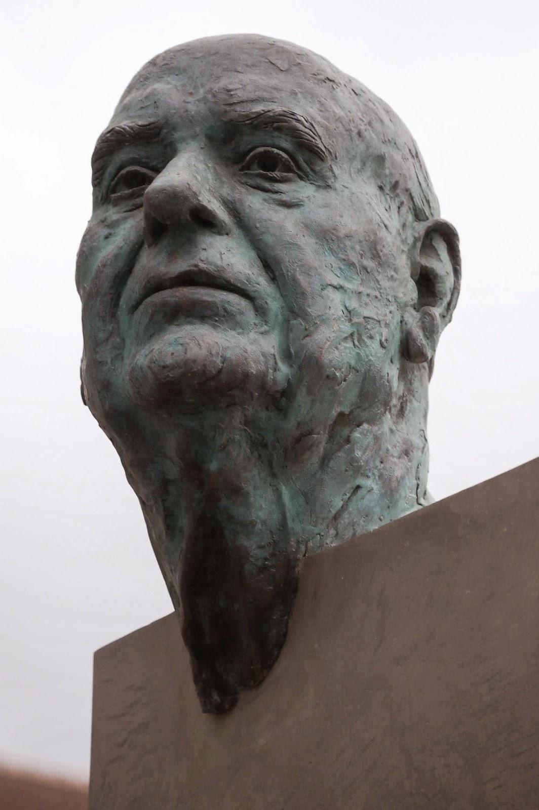 Monumento bronce Fuente Álamo Murcia Arturo Serra escultura 2