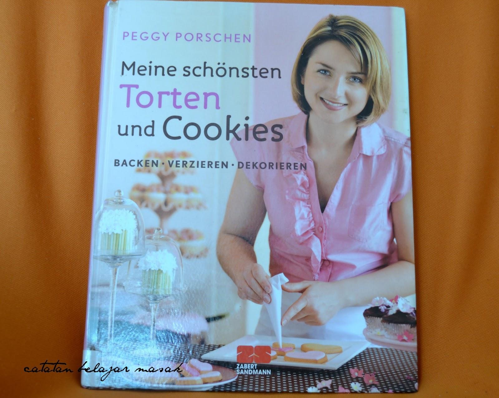 Foto 2. Buku sumber resep, mbak Peggy ini terkenal dan berasal dari ...