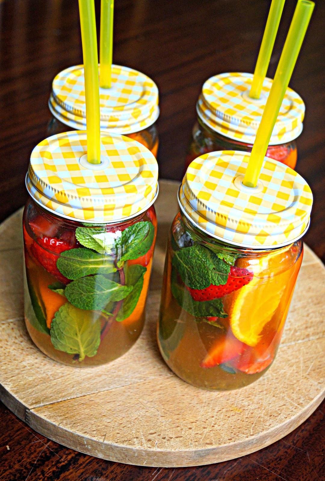 http://cupcakeluvs.blogspot.dk/2015/02/forar-summer-snart-drink-spring-summer.html