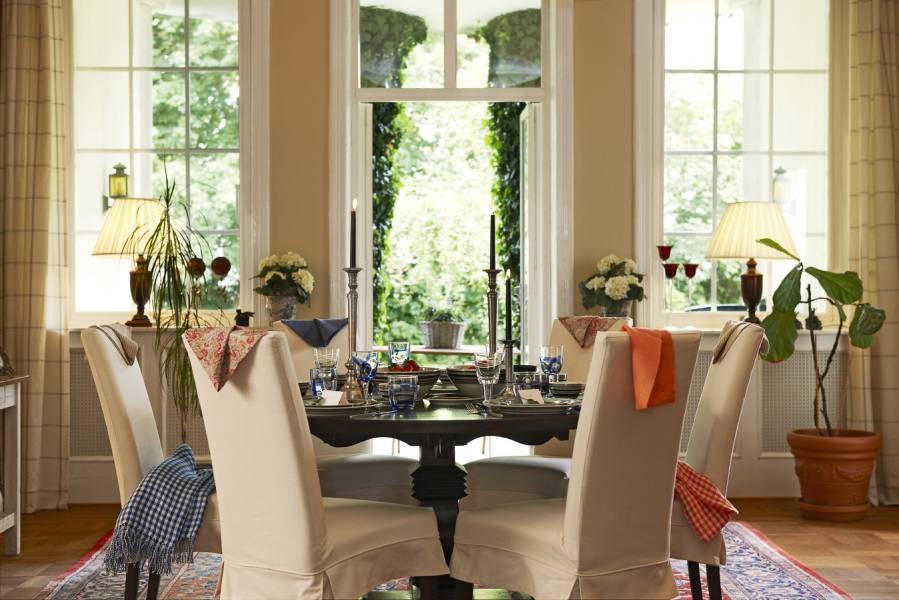 stockholm vitt interior design august 2011. Black Bedroom Furniture Sets. Home Design Ideas