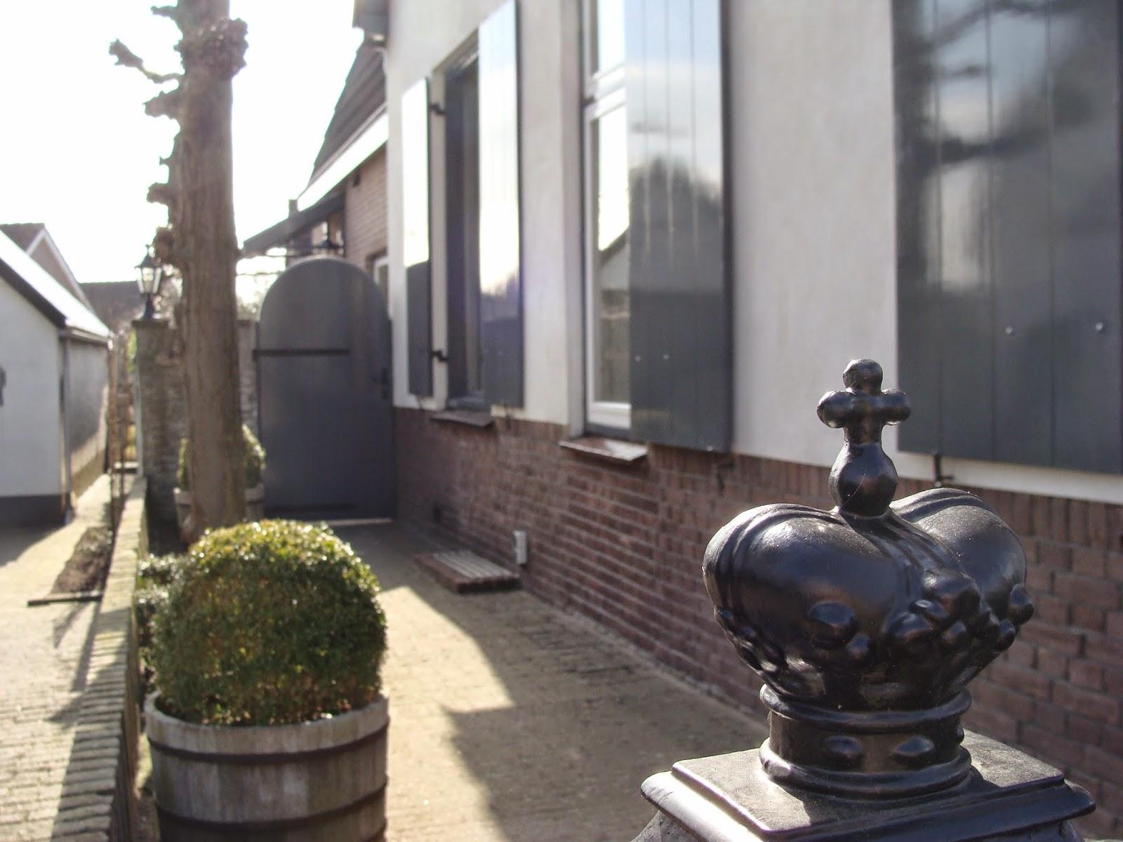 De hortensiatuin: nieuw jasje voor ons huis en voor mijn blog