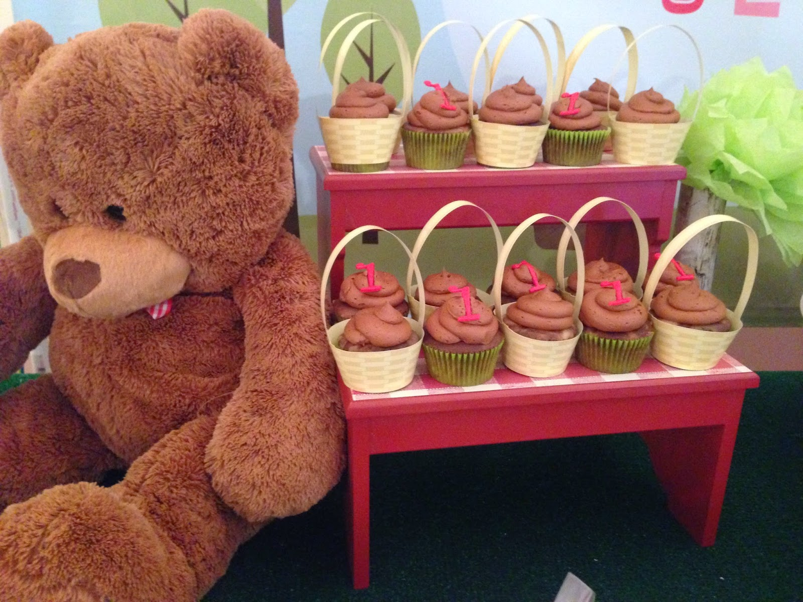 Mind My Beeswax: Olivia\'s Teddy Bears\' Picnic 1st Birthday Party!