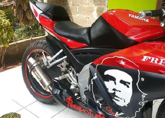Modifikasi Stiker Yamaha R125 title=